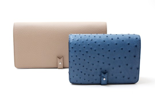 Our Casanova clutch now exists in two sizes !